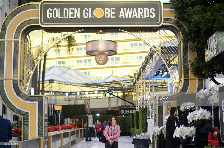 بالصور.. الاستعدادات النهائية لحفل جوائز جولدن جلوب 2020