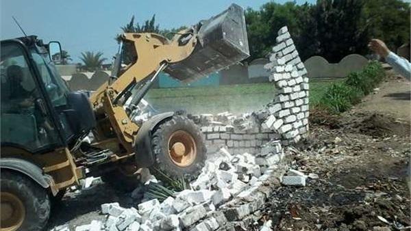 6bed8e247 البوابة نيوز: حملات مكثفة لإزالة التعديات على الأراضي الزراعية بالبحيرة